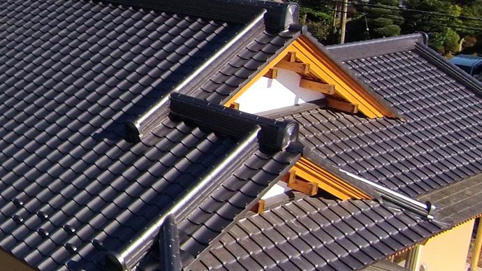 新築家屋の屋根