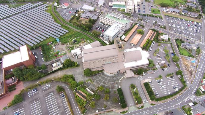 役所・病院・太陽光発電・駐車場等の上空写真